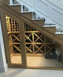 Bodega bajo escalera
