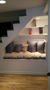 Relax bajo la escalera